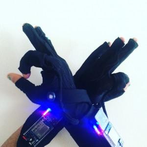 mi.mu wearable tech glove